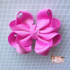 This is the only bow I've struggled with! Diy Hair Bows, Making Hair Bows, Ribbon Hair Bows, Diy Bow, Ribbon Flower, Bow Making, Types Of Bows, Hair Bow Tutorial, Flower Tutorial