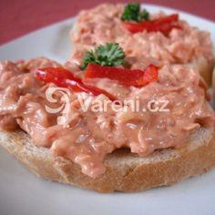 Ostrá pomazánka z utopenců recept - Vareni.cz Baked Potato, Potatoes, Chicken, Meat, Baking, Ethnic Recipes, Food, Bakken, Eten