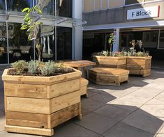 UWE courtyards by Upcircle Design Studio Tables design made of wood cable reel and seating of reclaimed scaffolding planks Design Studio London, Cable Reel, Studio Table, Slow Design, Design Movements, Wood Planters, Scaffolding, Graphic Design Studios, Courtyards