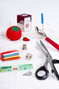 You can find all kinds of tailoring materials in our website,such as scissors, needles, pins, seam ripper and so on