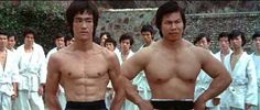 Bolo Yeung abd Bruce Lee in Enter the Dragon Bruce Lee, Brandon Lee, Jim Lee, Bolo Yeung, Kung Fu, Martial Arts Movies, Martial Arts Training, Enter The Dragon, Action Film