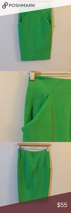 Diane von Furstenberg DVF Textured Green Skirt 2 On sale is a women's Diane von Furstenberg green textured pencil skirt in a size 2. The skirt is in good, used condition. It has pockets in the front.   The measurements are approximations Length- about 23.5 inches  Width- about 13.5 inches   Open to offers :) Diane Von Furstenberg Skirts Pencil