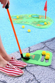 WANT THIS!!! Floating Golf Pool Game  #UrbanOutfitters