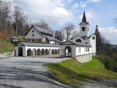 Czech Republic, Prague, Travel Inspiration, Mario, Places To Visit, Mansions, House Styles, Manor Houses, Villas