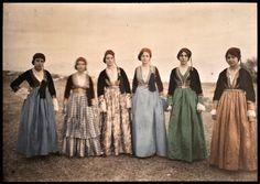 Autochrome by Ottomar Anschütz. Queen Costume, Folk Costume, Color Photography, Vintage Photography, Old Photos, Vintage Photos, Greek Dancing, Image Positive, Subtractive Color