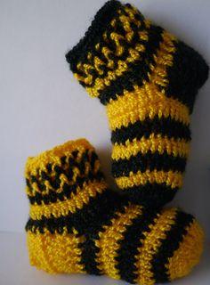 Adorable hand crocheted socks for newborns by CREATEandBe on Etsy