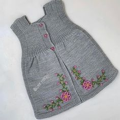 Photo shared by Fatma Uncu on December 2019 tagging and La imagen puede contener: rayas Knit Baby Sweaters, Knitted Baby Clothes, Baby Boy Knitting Patterns, Knitting For Kids, Girls Dresses Sewing, Pull Bebe, Baby Girl Crochet, Lace Scarf, Lace Knitting
