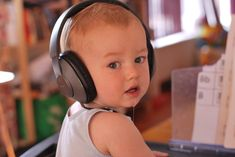 """Pediatric Interactions Therapists answer """"What is Early Intervention (EI)?"""" via @LittleLakeCo"""