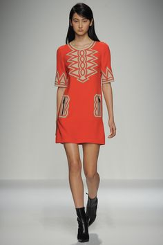 Andrew Gn Spring 2016 Ready-to-Wear Fashion Show