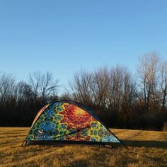 Recently set up this Burton×Demma Dye sun shade. These have been in the works for quite a while, happy to finally see em. Sun Shade, Tents, Outdoor Gear, Dan, It Works, Shades, Happy, Instagram, Design