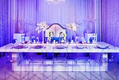 Wedding Theme While Olaf and most brides may be dreaming of summer, we think that winter is the ideal season for weddings. - Disney Weddings is at it again with a beautiful winter wedding ideas inspired by Frozen. Frozen Wedding, Ale, Dream Wedding, Wedding Day, Wedding Stuff, Yosemite Wedding, Disney Style, Wedding Trends, Wedding Season