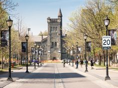 Richard Florida's bestselling book The Rise of the Creative Class is considered a must-read for people interested in urban studies. Now a professor at the University of Toronto, he shares his favorite things to do in his adopted hometown.