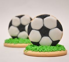 Football/soccer cookies - For all your cake decorating supplies, please visit… Fancy Cookies, Cut Out Cookies, Iced Cookies, Cute Cookies, Royal Icing Cookies, Cupcake Cookies, Sugar Cookies, Cake Decorating Supplies, Cookie Decorating