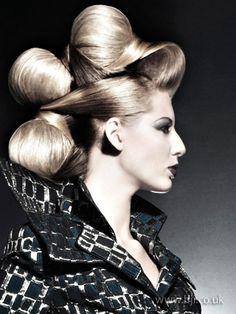 avante gard hair | 2009 avant garde Hair Style Picture - qhs30893
