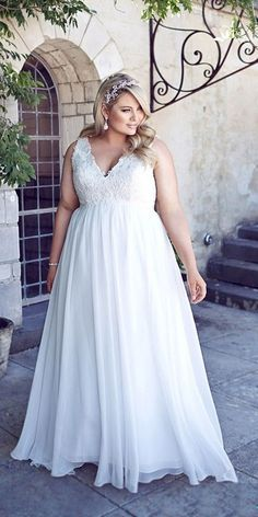 Is shopping for a plus size wedding dress causing you more stress and exhaustion than it is worth? You deserve to look your absolute best you your wedding day and if that means finding plus size wedding dresses that y. V Neck Wedding Dress, Best Wedding Dresses, Wedding Attire, Bridal Dresses, Full Figure Wedding Dress, Size 18 Wedding Dress, Gown Wedding, Chic Wedding, Trendy Wedding