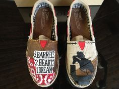 i so want these Barrel racing shoes! Cute Country Girl, Country Wear, Country Girls Outfits, Barrel Racing Outfits, Barrel Racing Shirts, Cowgirl Bling, Cowgirl Style, Cowgirl Boots, Sock Shoes