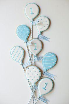 white balloon cookies bouquet