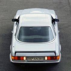 """crazyforcars: """"Mercedes' first (and still rare) trunk spoiler. At the time, it served a purpose and was light. But the plastic fades, and I personally think it ruins the lines of the car… Love the built-in first aid kit under the little flap on the. Mercedes 500sl, Classic Mercedes, Ford Capri, Merc Benz, Daimler Benz, Maybach, Classic Cars, Automobile, Aid Kit"""