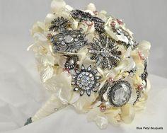 Victorian Brooch Bouquet - Blue Petyl