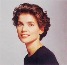 Julia Ormond- been thinking about short hair.  Mine has a bit of natural curl.  Probably wouldn't turn out this cute.
