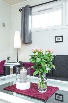 Breimoen - Enebolig med dobbel garasje på fin tomt | FINN.no Real Estate, Vase, Table Decorations, Furniture, Home Decor, Decoration Home, Room Decor, Real Estates, Home Furnishings