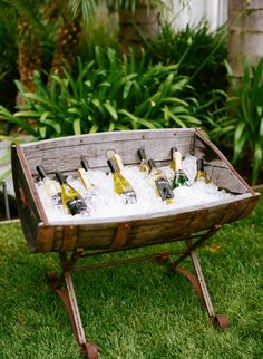 ONEHOPE Wine ice barrel station: Open barrel as cooler to keep drinks on ice and displayed beautifully