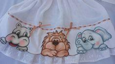 """Fralda grande com pintura em tecido """"Safari""""!"""