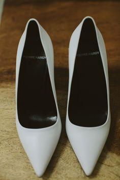 white wedding shoes #weddingshoes @weddingchicks