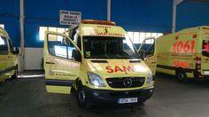 BUENOS DÍAS MUNDOOO con el SAMU !!  Desde Mallorca y con imagen compartida por los compañeros de @posiblecmp, comenzamos esta nueva jornada.  Buenos días Mallorca, buenos días mundooo...!!!! http://www.ambulanciasyemergencias.co.vu/2015/10/SAMU.html #mallorca #samu #061#sva #svb #tes #tts #ambulancias