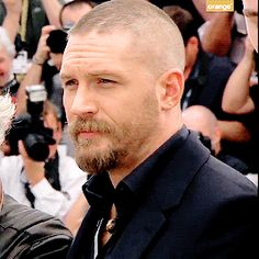 Tom Hardy at the 'Mad Max: Fury Road' photocall at the Annual Cannes Film Festival Tom Hardy Mad Max, Tom Hardy Hot, Buzz Cut For Men, Sexy Men, Hot Men, Cannes Film Festival, Beard Styles, Good Looking Men, Hemsworth