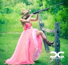country prom picture ideas for couples Prom Pictures Couples, Homecoming Pictures, Prom Couples, Girl Senior Pictures, Couple Pictures, Softball Pictures, Teen Couples, Maternity Pictures, Prom Picture Poses