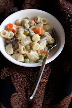 vegetable pasta in white sauce recipe - smooth and creamy dish with pasta and vegetables in white sauce. step by step recipe.
