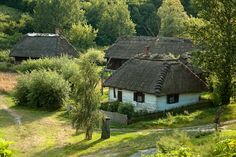 Skansen w Lublinie Vernacular Architecture, House Doors, European House, Good House, Country Life, Travel Inspiration, Old Things, Around The Worlds, Landscape