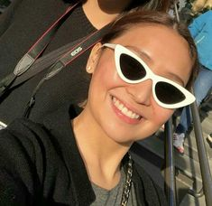 Kathryn Bernardo, Filipina Actress, Daniel Padilla, Cant Help Falling In Love, Jadine, Face Skin Care, Ulzzang Girl, Aesthetic Girl, Cat Eye Sunglasses