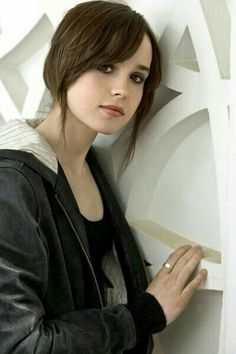 (Fc:Ellen Page)Hi my names Shea Queen,16, daughter of Oliver and Felicity Queen and my older brother is Tommy. I'm a lot like my dad, Stubborn, Ignorant, Naive, Kind And I'm good with a Bow&Arrow. I'm also like my Tech Savvy mom, I can hack into anything within 10seconds. Sometimes I get Bloodlust because I was extremely sick when I was born so my dad used the lazurath pit to keep me alive. I try to be as helpful as possible and I always put others before me. Sometimes i consider myself as…