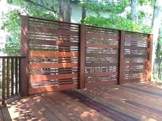 How to choose the deck privacy screens deck privacy screen ideas outdoor deck privacy screen patio privacy screens QYNKDAJ Privacy Fence Designs, Privacy Screen Outdoor, Backyard Privacy, Backyard Fences, Privacy Wall On Deck, Deck Privacy Screens, Patio Wall, Privacy Fences, Pergola Diy
