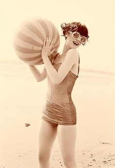 Totally loving Zooey Deschanel in this vintage swimsuit!
