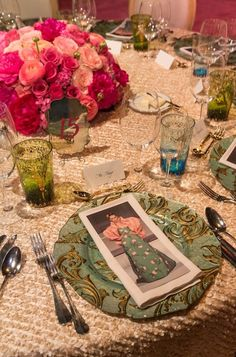 See photos of André Leon Talley, Lynn Wyatt and more at the De Young Gala. Elegant Centerpieces, Table Centerpieces, Table Decorations, Event Photos, Wedding Table, Tablescapes, Wedding Flowers, Table Settings, Glamour