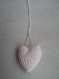 Ciondolo cuore amigurumi
