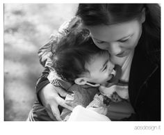 baby and mum - Photography by Sara Grandieri aesdesign.it