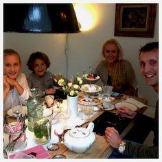 workshop sieraden maken en high tea in Zuid Holland, Den Haag bij www.kiekelechique... #workshop #sieraden #dames #meiden #heren
