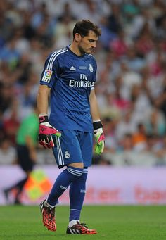 Iker Casillas Photos - Iker Casillas of Real Madrid looks on during the Supercopa first leg match between Real Madrid and Club Atletico de Madrid at Estadio Santiago Bernabeu on August 2014 in Madrid, Spain. - Real Madrid v Club Atletico de Madrid Neuer Goalkeeper, Goalkeeper Shirts, Armani Hotel Dubai, Real Madrid Wallpapers, Baskets, Best Club, Liverpool Fc, Cristiano Ronaldo, Football Team