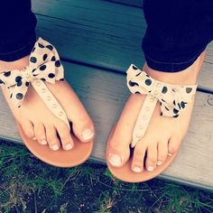 Polka dot flats with bows!