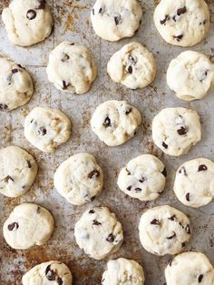 These Condensed Milk Chocolate Chip Cookies taste like a shortbread cookie crossed with a chocolate chip cookie. This recipe is a great way to use up leftover sweetened condensed milk. Milk Chocolate Chip Cookies, Milk Cookies, Cookies Et Biscuits, Chocolate Desserts, Caramel Shortbread, Shortbread Cookies, Blondies Cookies, Brownies, Cookie Recipes