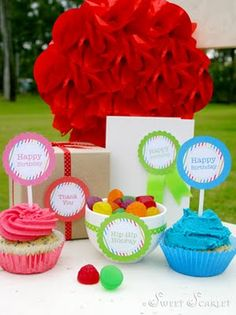 Happy Birthday Party Dots. Use for cupcake toppers, favours, card making & food labels. #printables #birthday #party #diy