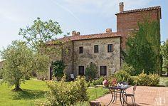Tuscan villa loveliness