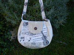 hudební+1+Taška-kabelka,+nejen+pro+muzikanty,+horní+šířka+25cm,+dolní+šířka31cm,+hloubka-výška+27cm,+délka+uch+92cm,+zapínání+na+magnet.
