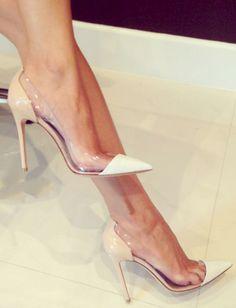 transparência nos sapatos