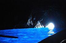 Capri (sziget)  _ Kékbarlang      ( Grotta Azurra)
