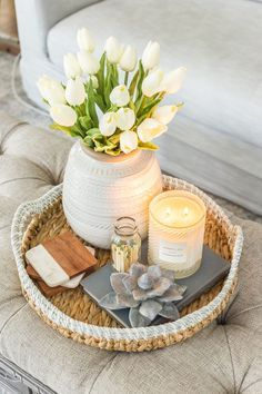 Easy Spring Home Tour Spring coffee table decoration with artificial white tulips . Side Table Styling, Coffee Table Styling, Decorating Coffee Tables, Coffee Table Tray Decor, Decoration Bedroom, Decoration Table, Diy Home Decor, Side Table Decor, Wall Decor